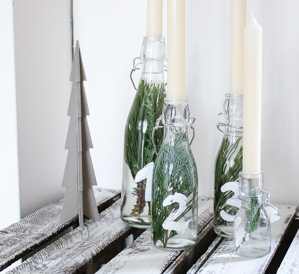 last minute diy adventskranz aus glasflaschen. Black Bedroom Furniture Sets. Home Design Ideas